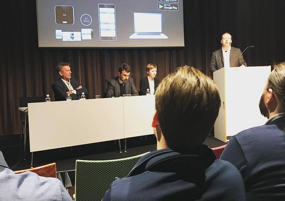 Evvas presskonferens på Sectech där Evva …