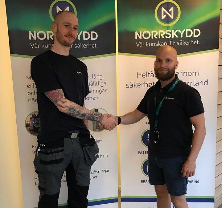 Idag hälsar vi Tobias Nilsson välkommen till …
